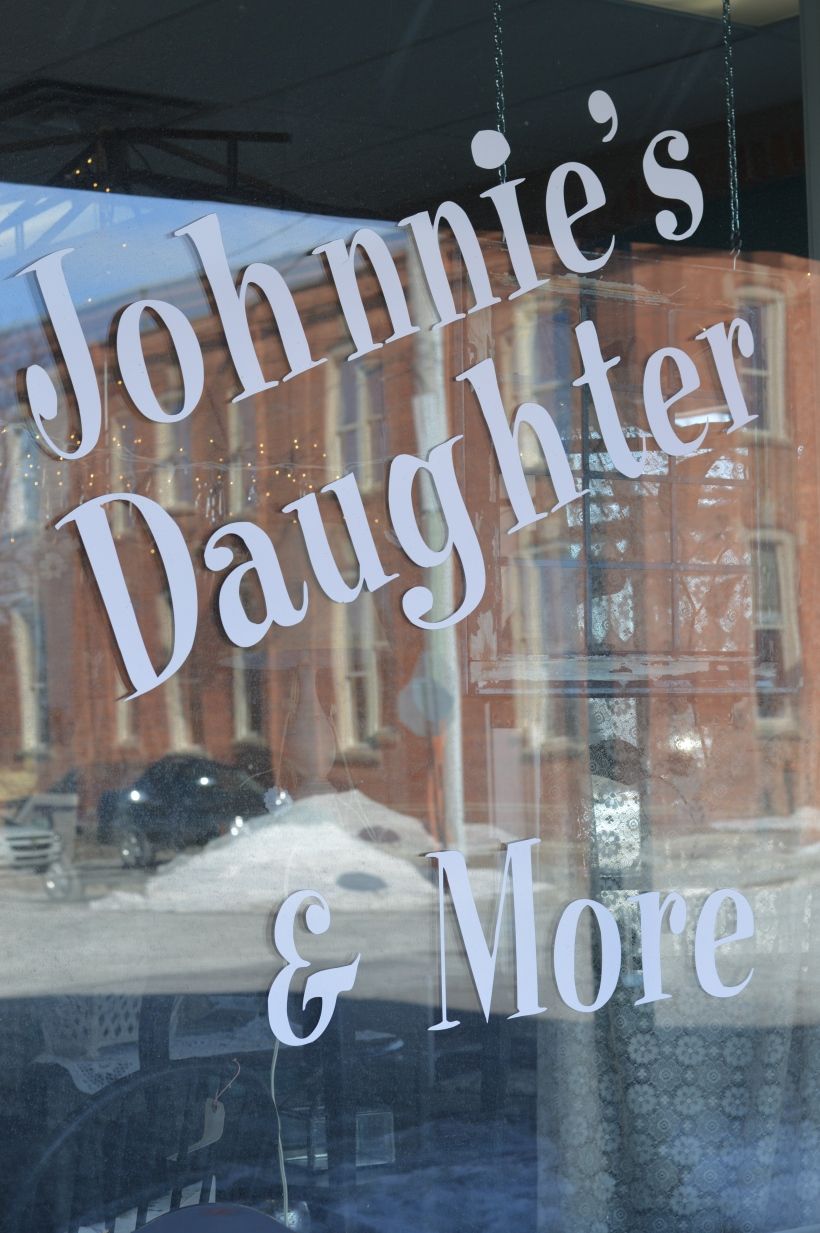 Johnnie's Daughter 002